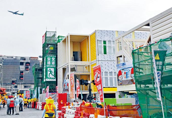 臨時醫院月底平頂 明年一月內竣工 | 多倫多 | 加拿大中文新聞網 - 加拿大星島日報 Canada Chinese News