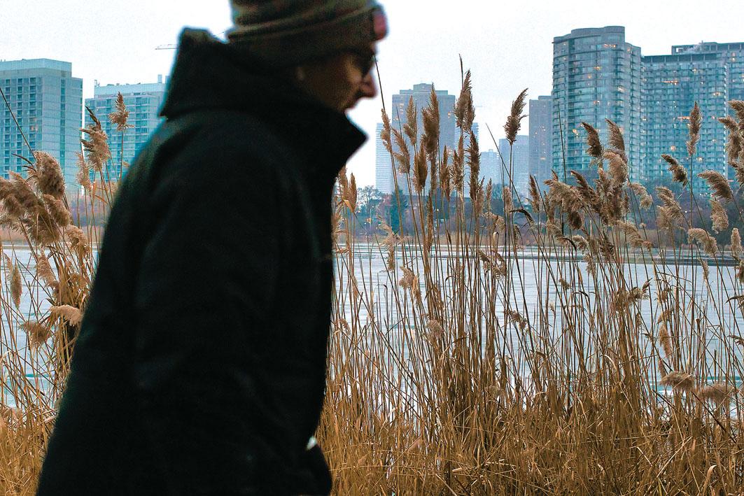 疫情續拖累心理健康 國民抑鬱焦慮感爆增 | 多倫多 | 加拿大中文新聞網 - 加拿大星島日報 Canada Chinese News