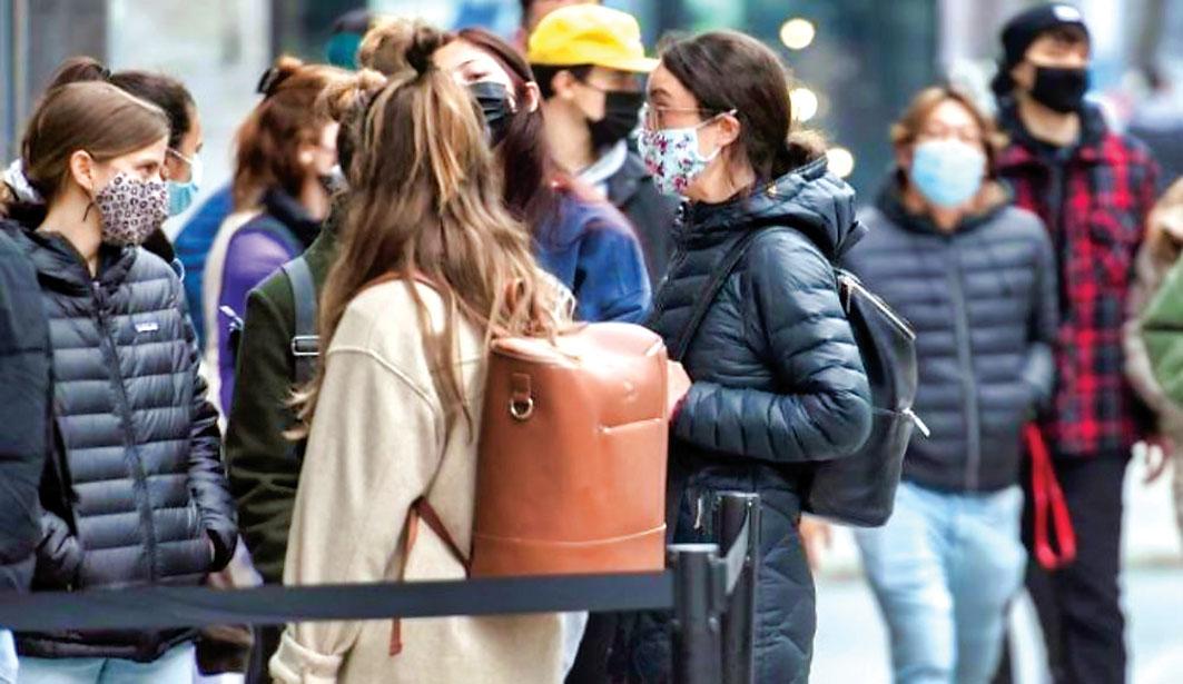 青年憂染疫比率升至最高   多倫多   加拿大中文新聞網 - 加拿大星島日報 Canada Chinese News