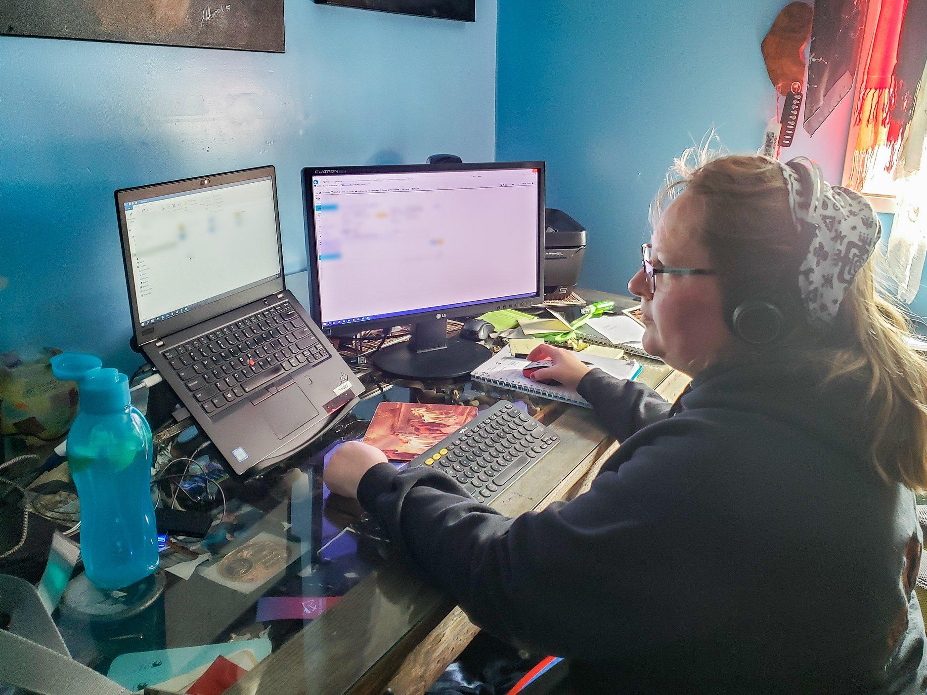 卑詩公務員對嚴重疫情下回辦公室上班感擔憂 | 多倫多 | 加拿大中文新聞網 - 加拿大星島日報 Canada Chinese News