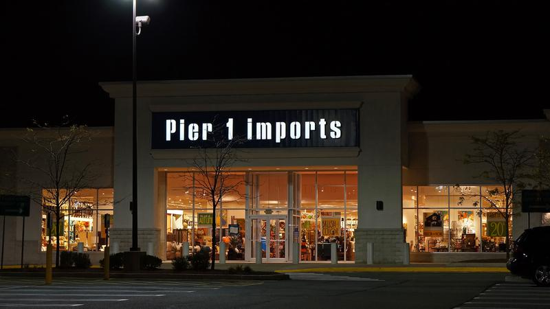 pier 1 imports to close all canadian