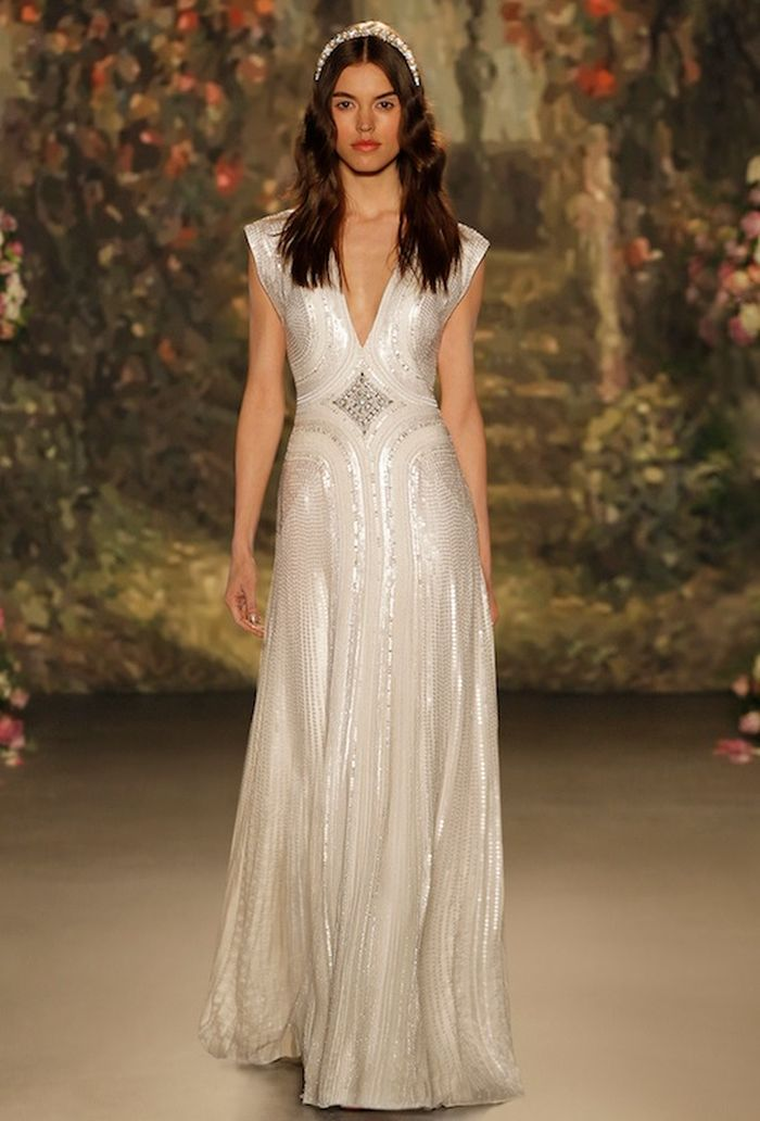 DIFFERENT WEDDING DRESSES FOR DIFFERENT DESTINATIONS