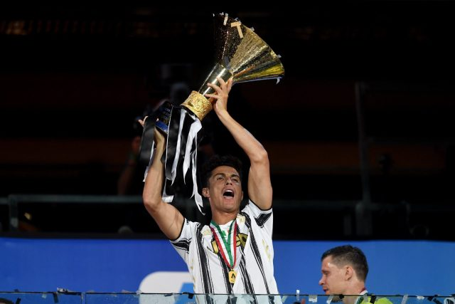 Cristiano Ronaldo lifts Scudetto for Juventus