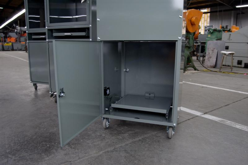 Stackbin  Workbenches  Enclosed Computer Cabinet