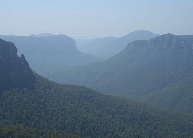 Blue Mountains (U)