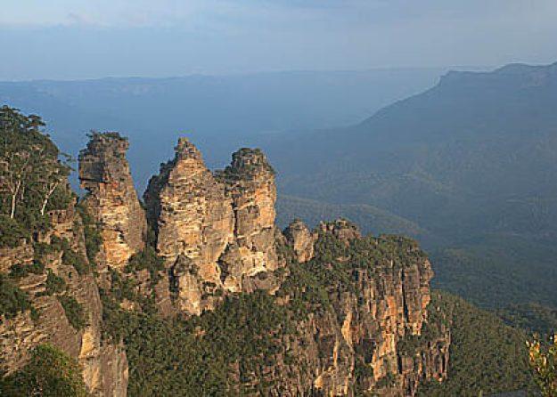 """Three sisters"". Blue Mountains (U)"
