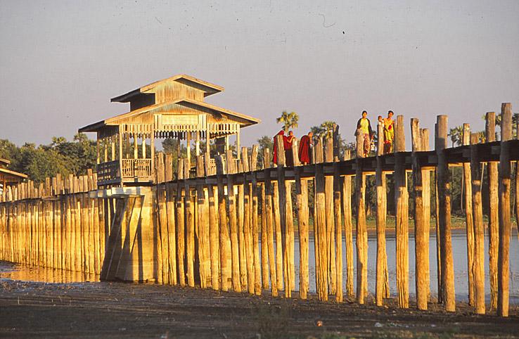 U Bein-bron, världens längsta teakbro. Amarapura