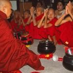 Blivande munkar. Bagan
