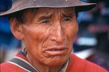 Man på marknaden. Otavalo