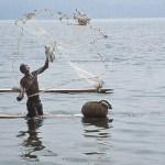 Fiskare. Sjön Bosumtwi