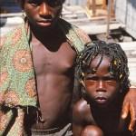 Barn i byn Mzulezu
