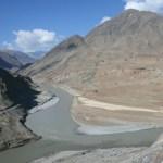 Här möts floderna Indus och Zanskar