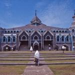 Al Markaz mosken. Ujung Pandang
