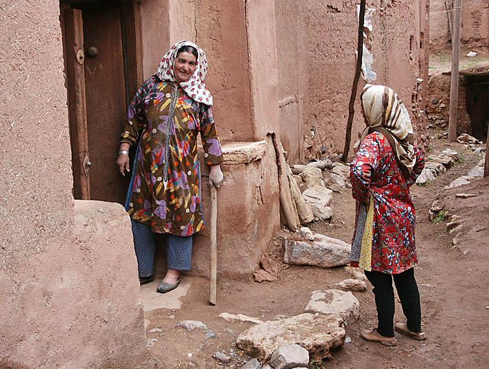 Kampen flyttas fran irans gator