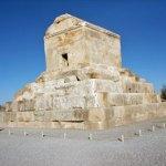 Cyrus gravmonument. Pasargadae (U)