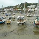 Hamnen vid ebb. St Aubin