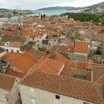 Vy över gamla staden. Trogir (U)
