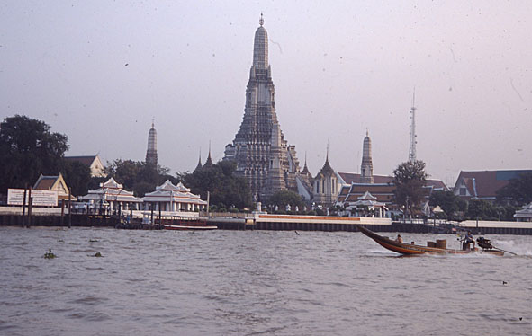 Fangelse hotar studenter i thailand