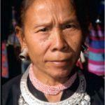 Longear Karenkvinna. Mae Salong
