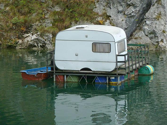 Husbåt. Tara
