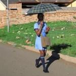 På väg till skolan. Soweto
