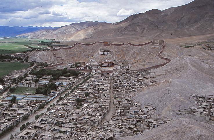 Det förstörda Pelkor Chöde klostret. Gyantse