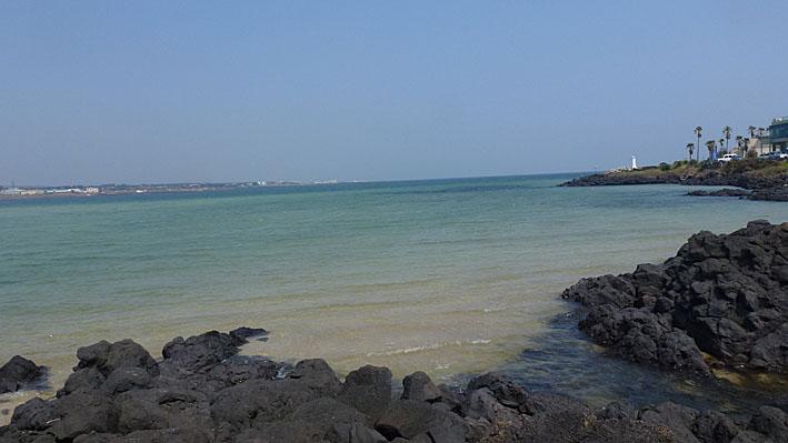 Vy från Pyoseon Beach. Jeju-do