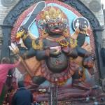 Statyn av Kal Bhairav. Kathmandu