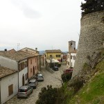 Montebello. Vy från byn