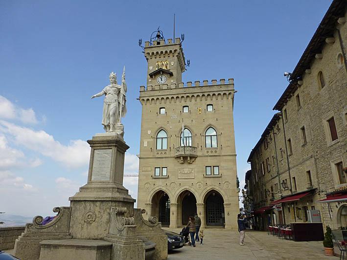 Piazza della Libertá. San Marino (U)
