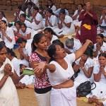 Kvinna i trance. Anuradhapura