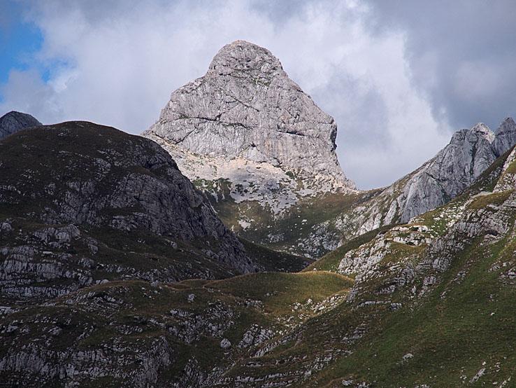 Berget Bobotov kuk, 2 522 möh . Durmitor National Park. Montenegro (U)