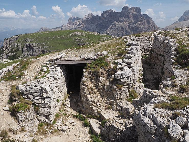 Skyttegrav. Monte Piana. Dolomiterna (U)