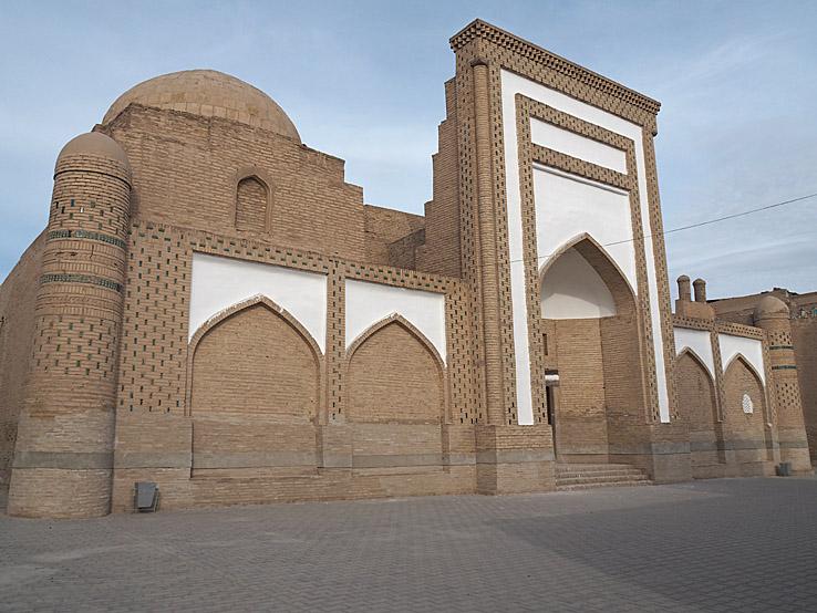 Arab-Khan madrasa. Khiva (U)