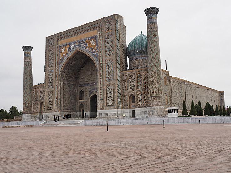 Sher-Dor madrasa. Registantorget. Samarkand (U)