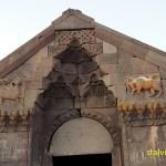 Kamelserajen på Vardenyatspasset, 2 410 möh