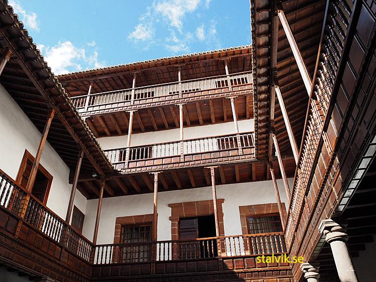 Palacio de Salazar. Santa Cruz
