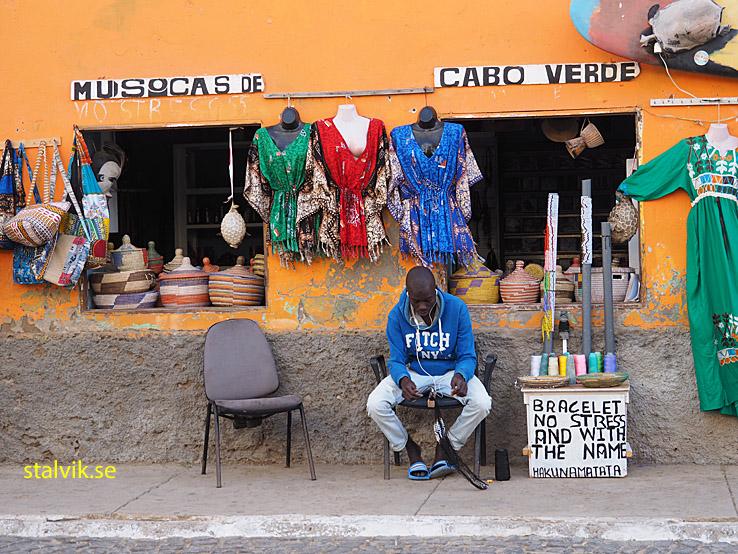 Färgfull butik. Santa Maria