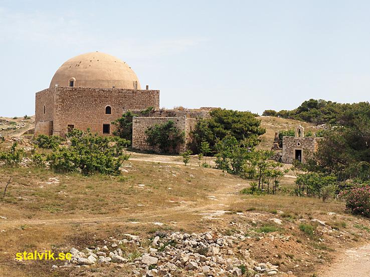 Sankta Katarinas kyrka och Sultan Bin Imbrahims moské. Fortezza. Rethymno