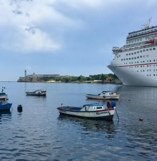 Cruising ship i Havanna