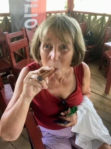 Annette puffar