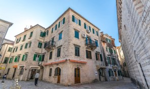 Three bedroom apartment in Old Town, Kotor