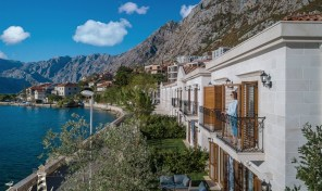 Kotor, Dobrota – kompleks vila na prvoj liniji do mora