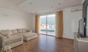 Stan sa pogledom na more, 90m2 – Djenovici, Herceg Novi