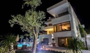 Vila sa panoramskim pogledom – Herceg Novi, Djenovici