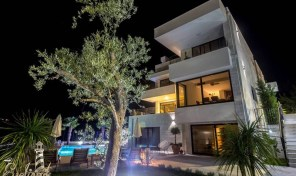 Luxury spacious villa with pool in Djenovici, Herceg Novi