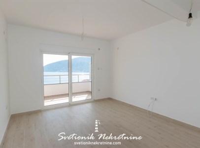 Dvosoban dupleks stan sa panoramskim pogledom na more Igalo 5