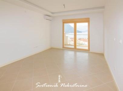 Stan sa pogledom na more u novogradnji - Dobrota, Kotor