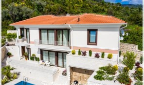New villa with a swimming pool and panoramic view of the Tivat bay