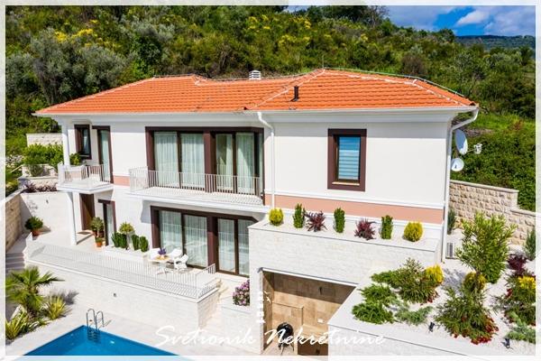 Prodaja kuca Tivat - Nova moderna vila sa bazenom i panoramskim pogledom na more